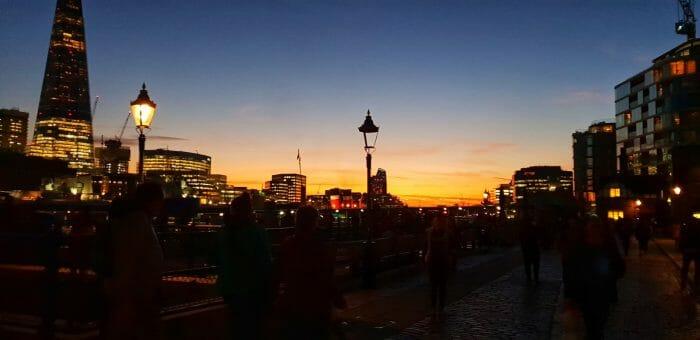 Залез над Лондон