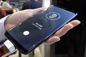 Технологията Sound on Display в мобилните устройства