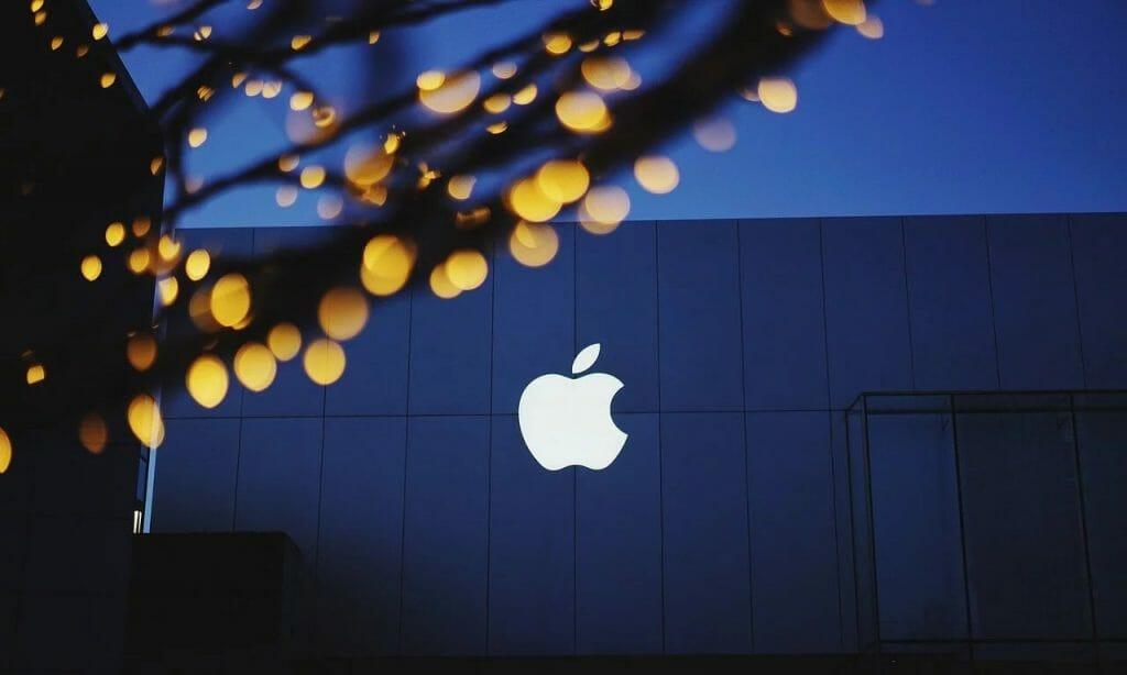 Apple: пречат ни да създаваме иновации