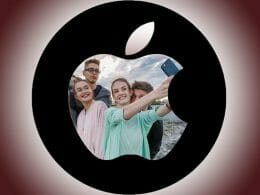 Apple patents group online selfies