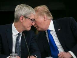 Доналд Тръмп и Тим Кук